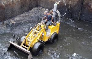 Perslucht werkzaamheden: het reinigen van chemisch vervuilde gier kelders